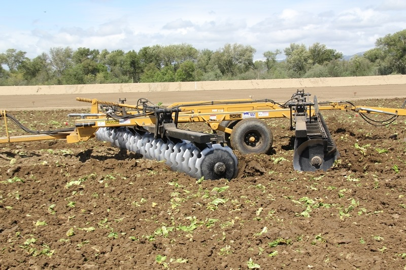 Series 2850 heavy disc harrow