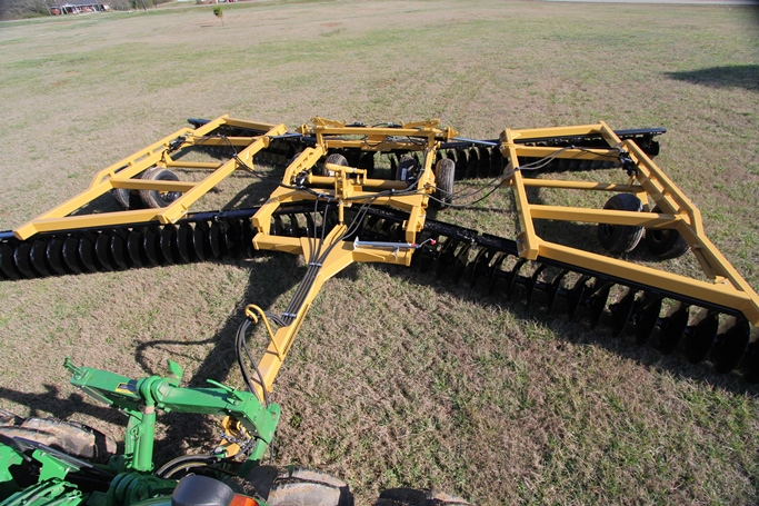 Series 265 heavy disc harrow
